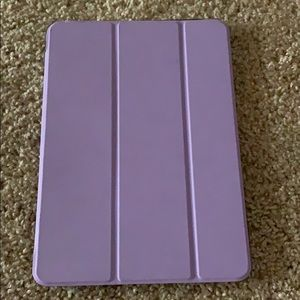 iPad 5/6 9.7 size case. Great condition